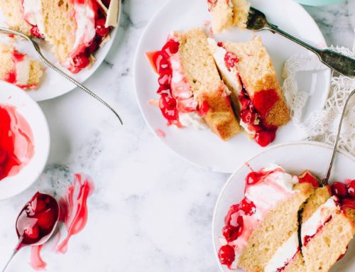 Cherries and vanilla cream cake